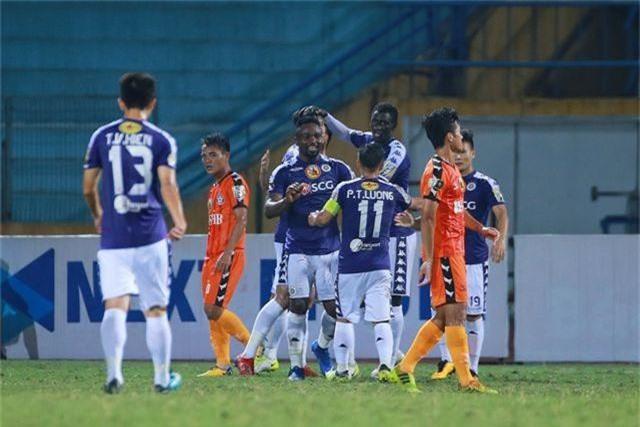 Bùi Tiến Dũng lần đầu bắt chính, CLB Hà Nội thắng sát nút Đà Nẵng - 1