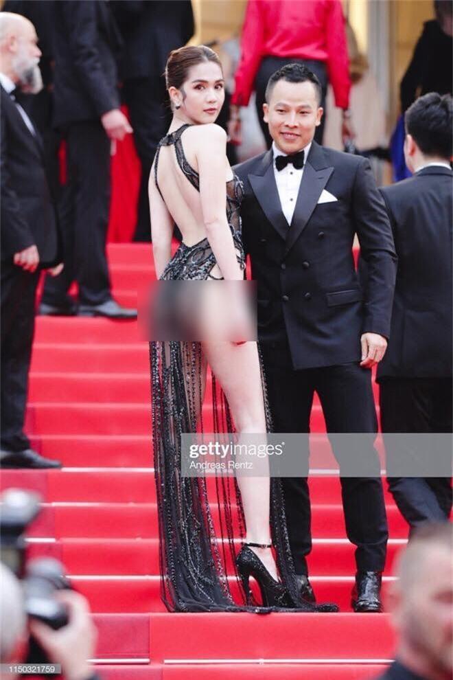Ngọc Trinh lần đầu đi thảm đỏ Cannes đã gây sốc với trang phục hở hang nhức mắt, khoe thân phản cảm - Ảnh 4.