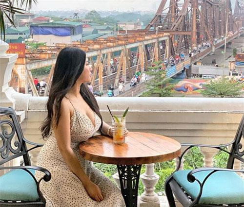 Cuối tháng 4 vừa qua, Geng còn check-in ở nhiều địa danh nổi tiếng Việt Nam.