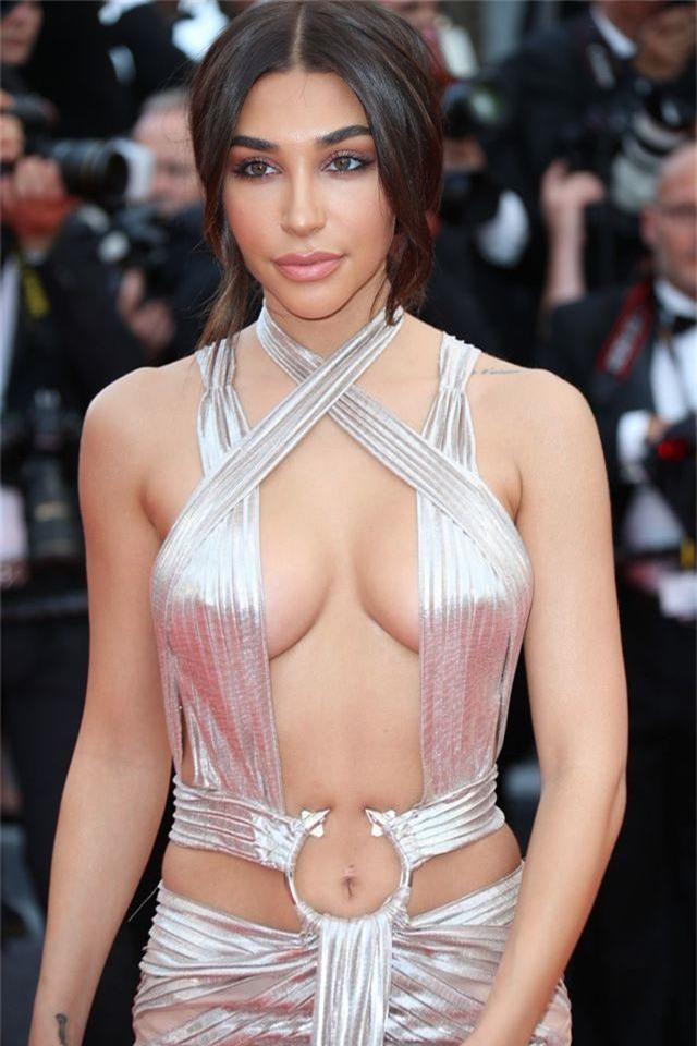 Khi người đẹp bị chê vì mặc hở hang tại LHP Cannes - 13