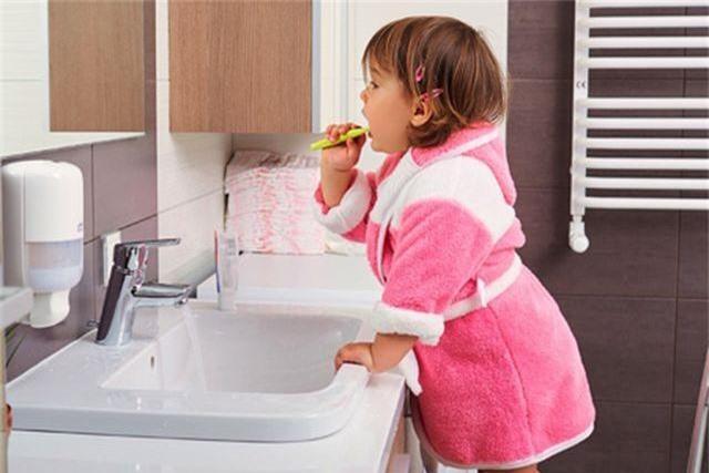 Mẹo hay để rèn cho con thói quen chải răng đúng cách - 1