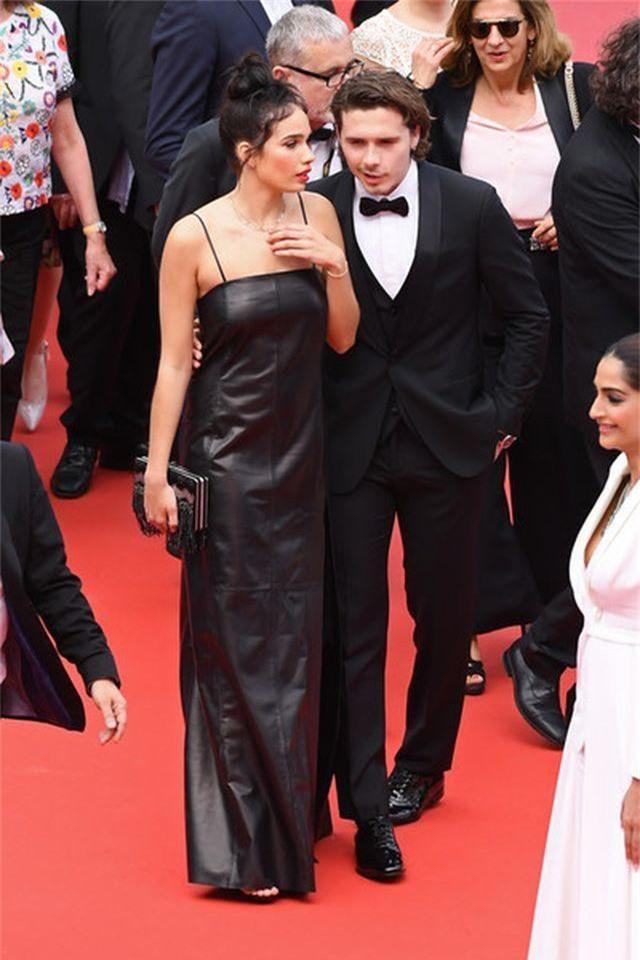 Cậu cả nhà Beckham dự LHP Cannes cùng bạn gái - 11