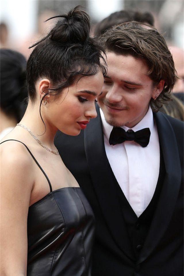 Cậu cả nhà Beckham dự LHP Cannes cùng bạn gái - 3
