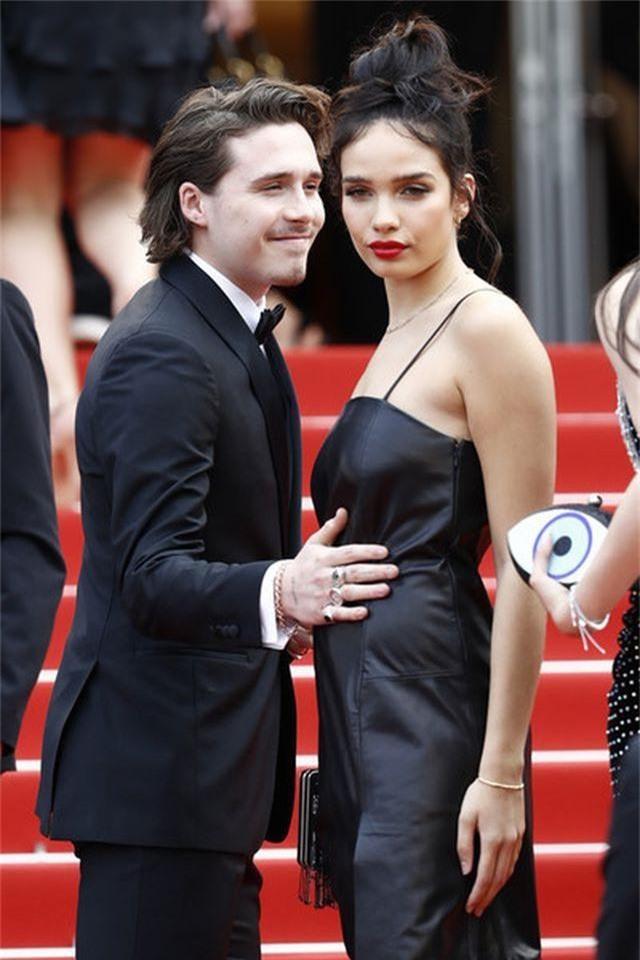Cậu cả nhà Beckham dự LHP Cannes cùng bạn gái - 4