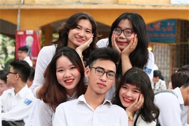 Những nữ sinh xinh đẹp, dễ thương trường Phan Đình Phùng ngày bế giảng - 12