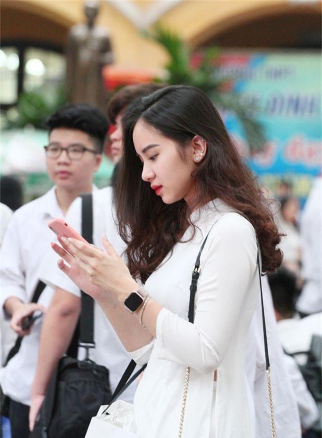 Những nữ sinh xinh đẹp, dễ thương trường Phan Đình Phùng ngày bế giảng - 4
