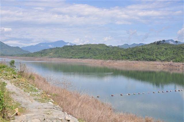 Xác người ở lòng hồ Sông Tranh 2