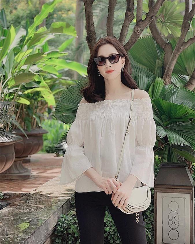 Gần 2 năm lấy chồng sinh con, Hoa hậu Đặng Thu Thảo bất ngờ lộ chứng hồi teen - Ảnh 1.