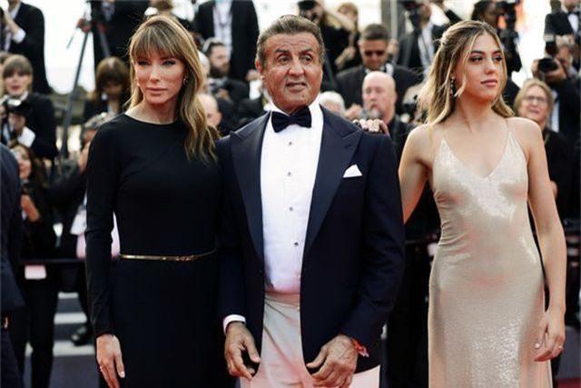 Rambo hạnh phúc cùng vợ con dự LHP Cannes - 7