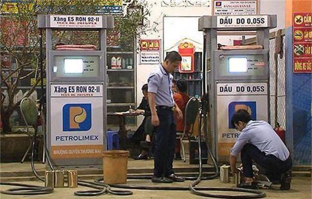 Nghệ An: Lật tẩy nhiều hành vi gian lận trong kinh doanh xăng dầu - 3