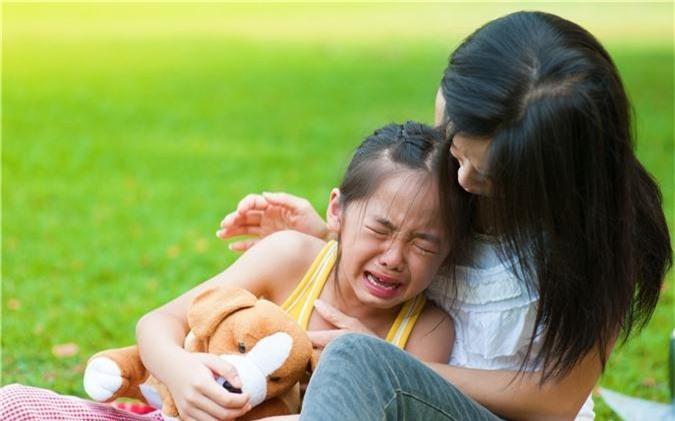 Cứ tưởng làm thế này là yêu con, nhưng thực ra cha mẹ đang hại con thêm mà thôi - Ảnh 1.