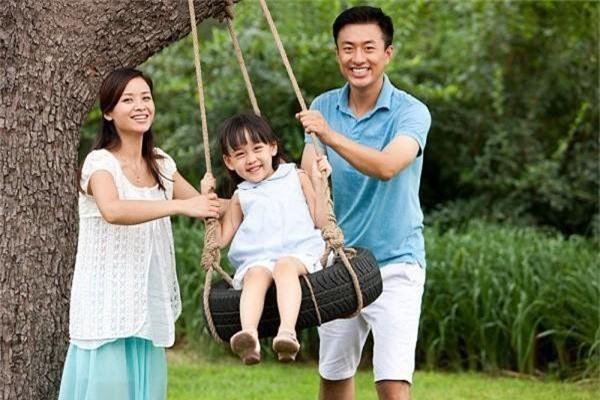 Cứ tưởng làm thế này là yêu con, nhưng thực ra cha mẹ đang hại con thêm mà thôi - Ảnh 4.