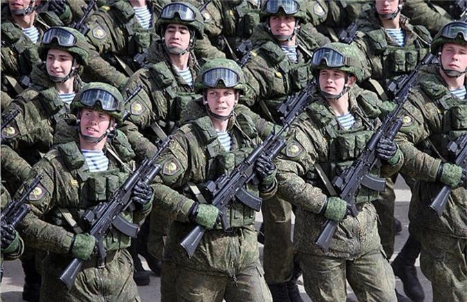"Nam 2019, sung AK-74 van dem loi nhuan ""khung"" cho nuoc Nga"