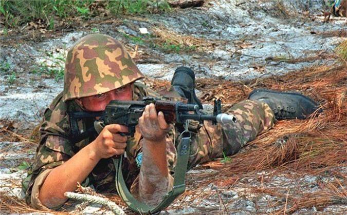 "Nam 2019, sung AK-74 van dem loi nhuan ""khung"" cho nuoc Nga-Hinh-6"