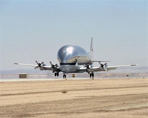 Máy bay vận tải hạng nặng B-377-SG/SGT Super Guppy