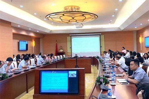 Hội nghị trực tuyến Công bố kết quả đánh giá rủi ro quốc gia về rửa tiền, tài trợ khủng bố và kế hoạch hành động giải quyết rủi ro. (Ảnh: VPG).