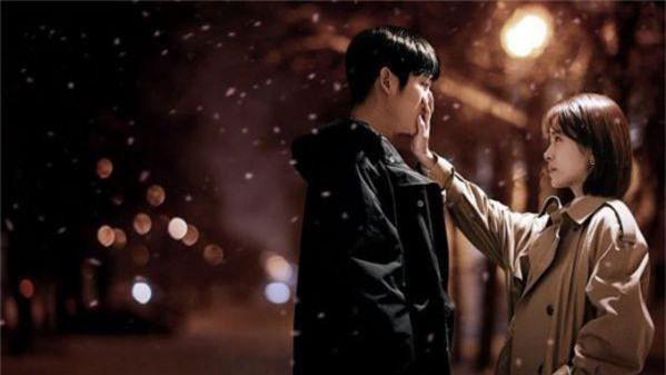 3 lí do khiến One Spring Night hot hơn Chị Đẹp Mua Cơm: Son Ye Jin xách dép cho nữ chính ở lí do cuối cùng! - Ảnh 6.