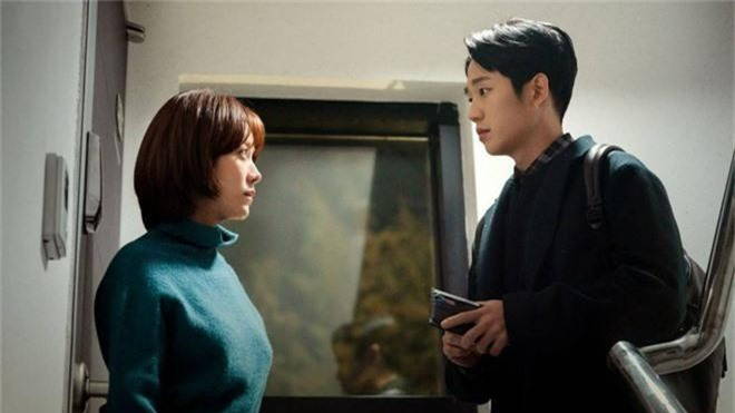 3 lí do khiến One Spring Night hot hơn Chị Đẹp Mua Cơm: Son Ye Jin xách dép cho nữ chính ở lí do cuối cùng! - Ảnh 7.
