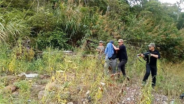 Bắt nghi can cầm đầu đường dây ma tuý từ Lào về Việt Nam - 1