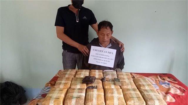 Bắt nghi can cầm đầu đường dây ma tuý từ Lào về Việt Nam - 2