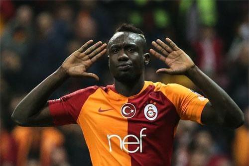 4. Mbaye Diagne (Kasimpasa/Galatasaray, 30 bàn - 45 điểm).