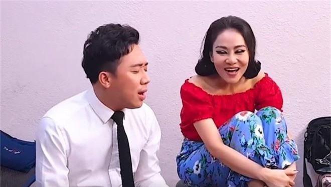 Cùng là chị em thân thiết, khi Thu Minh gây tranh cãi vì Diva, Tùng Dương phát ngôn sốc còn Trấn Thành lại được ca ngợi vì điều này  - Ảnh 6.