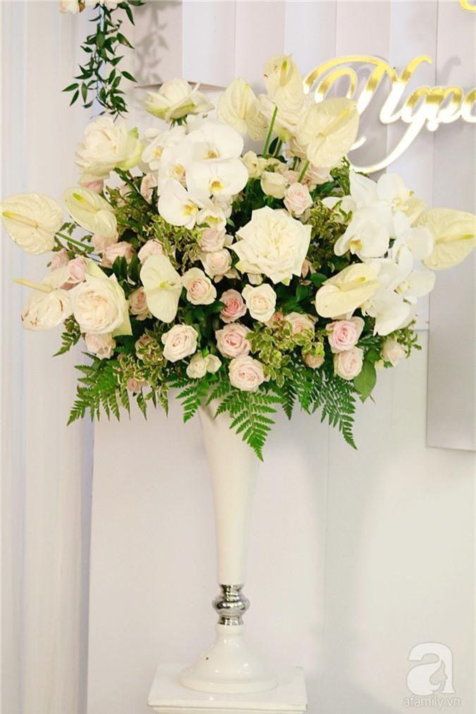 Trực tiếp đám cưới Dương Khắc Linh - Sara Lưu: Nhà cô dâu bày tiệc hoa giản dị, không phô trương - Ảnh 7.