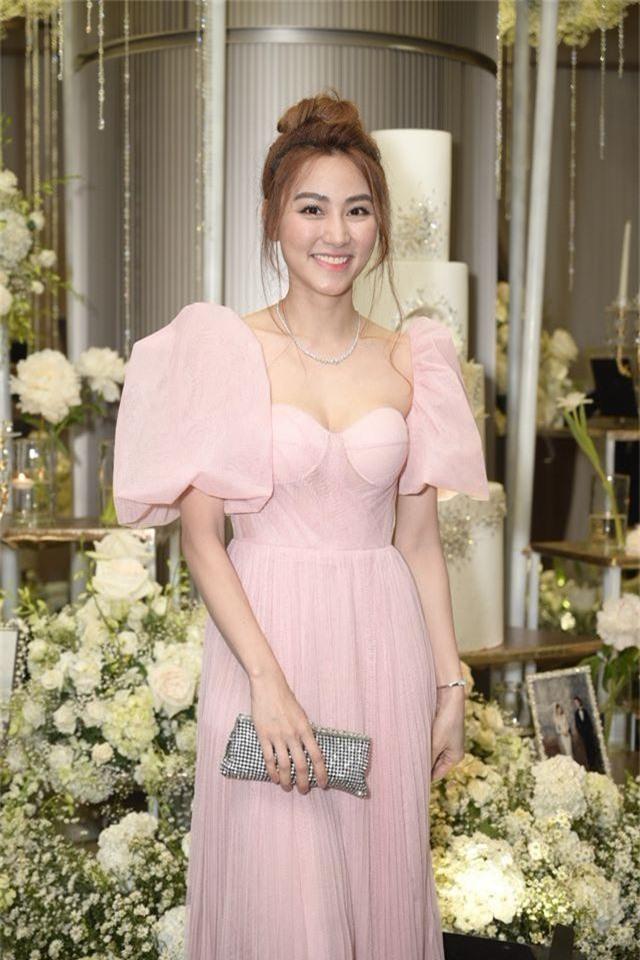 Chồng Thu Minh tháp tùng vợ dự đám cưới nhạc sĩ Dương Khắc Linh - 11