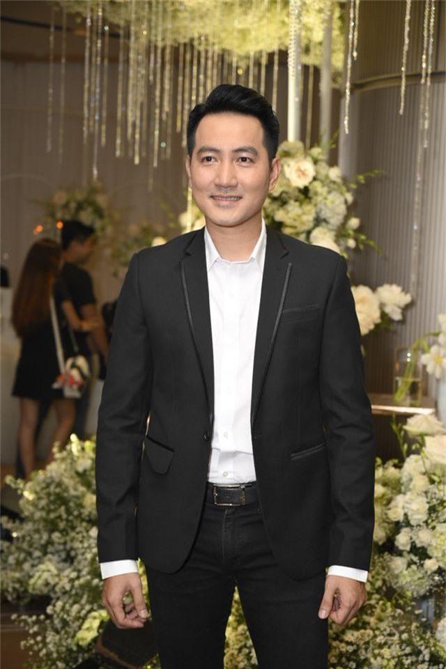 Chồng Thu Minh tháp tùng vợ dự đám cưới nhạc sĩ Dương Khắc Linh - 17