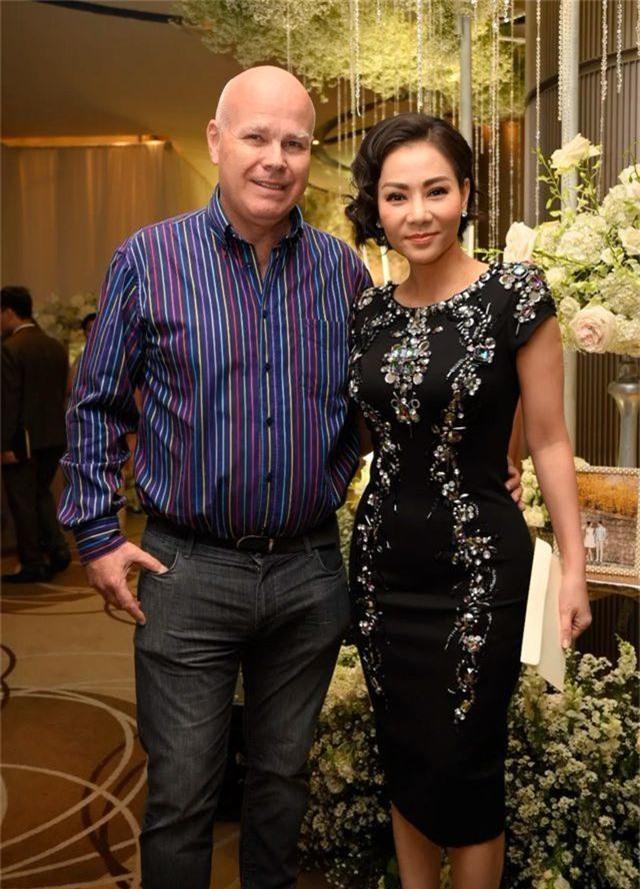 Chồng Thu Minh tháp tùng vợ dự đám cưới nhạc sĩ Dương Khắc Linh - 2