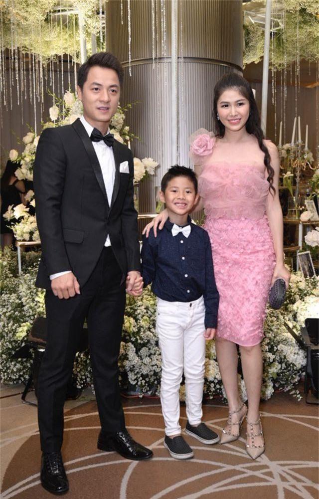 Chồng Thu Minh tháp tùng vợ dự đám cưới nhạc sĩ Dương Khắc Linh - 21