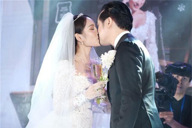 Chồng Thu Minh tháp tùng vợ dự đám cưới nhạc sĩ Dương Khắc Linh - 28