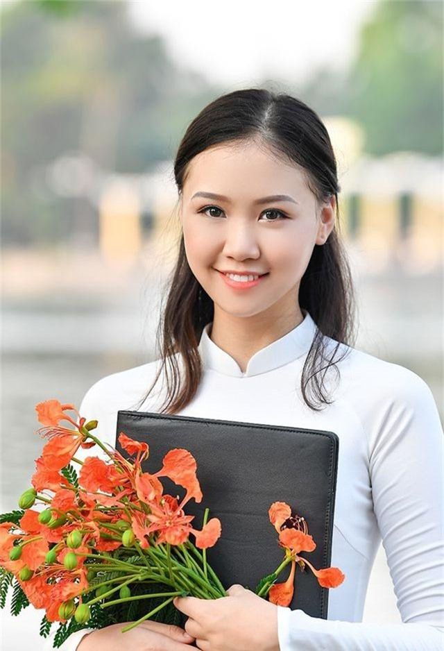 Nữ sinh THPT Trần Phú cao 1m70, dáng chuẩn người mẫu - 10