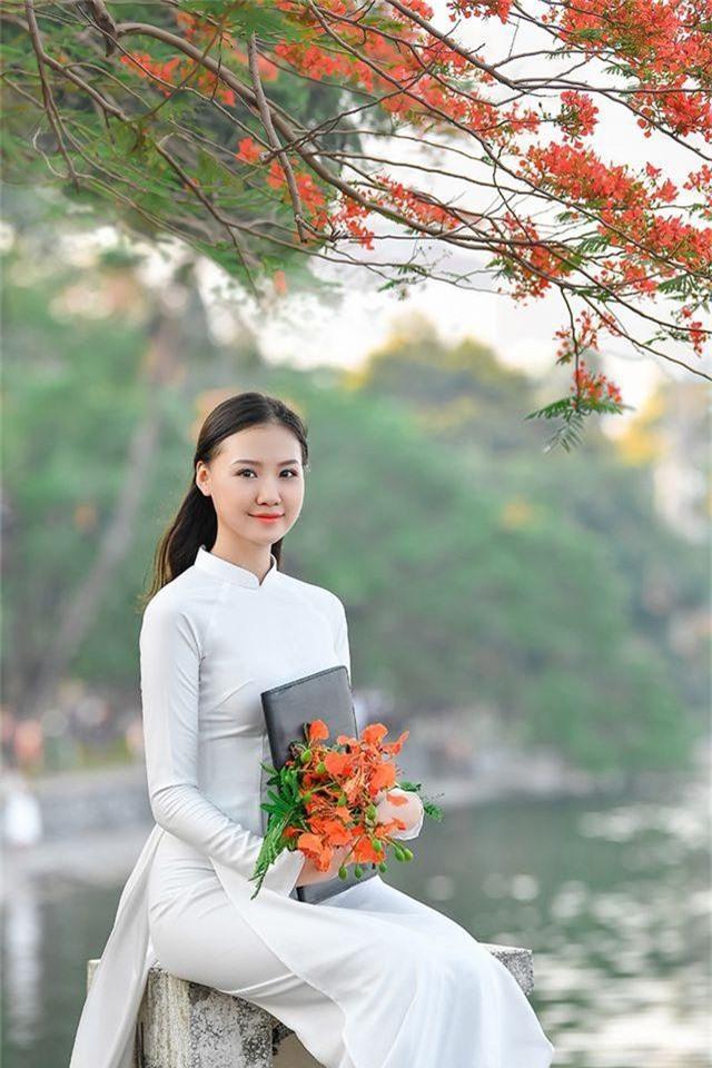 Nữ sinh THPT Trần Phú cao 1m70, dáng chuẩn người mẫu - 7