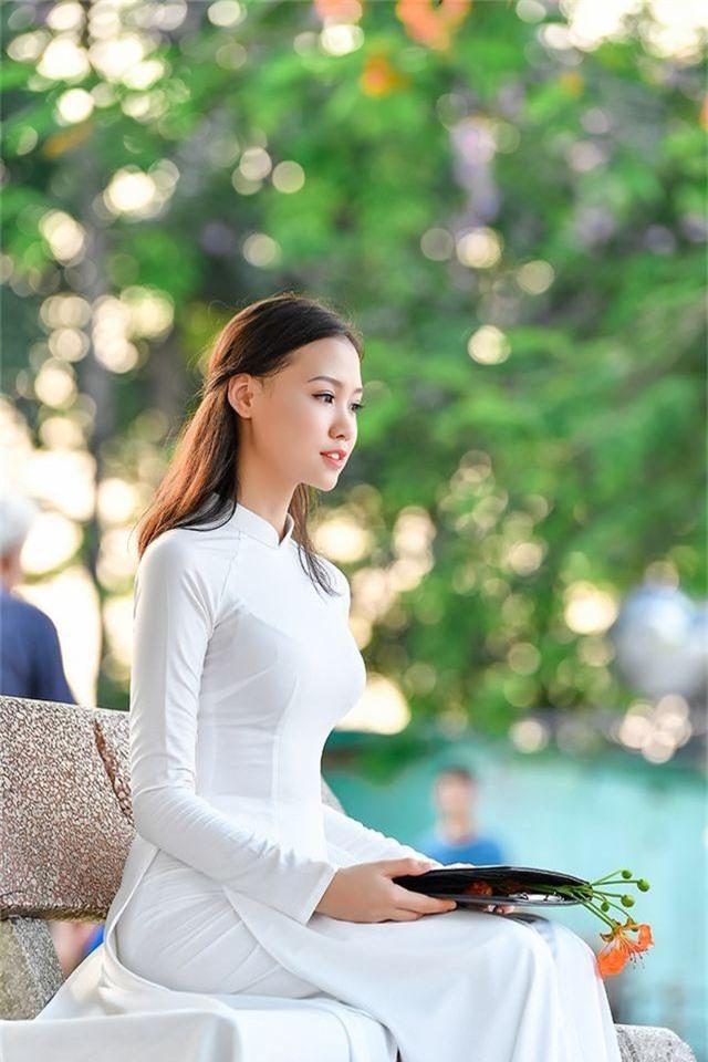 Nữ sinh THPT Trần Phú cao 1m70, dáng chuẩn người mẫu - 8