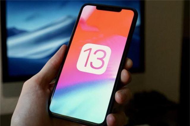 Apple chính thức ra mắt iOS 13: Hiệu suất nhanh gấp đôi, hỗ trợ Dark Mode, làm lại Apple Maps... - Ảnh 1.