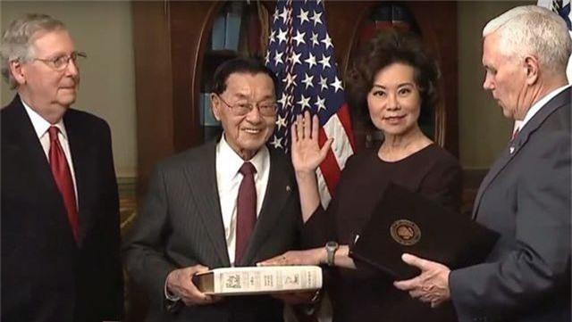 """Bộ trưởng Mỹ bị đưa vào """"tầm ngắm"""" vì mối quan hệ khả nghi với Trung Quốc - 2"""