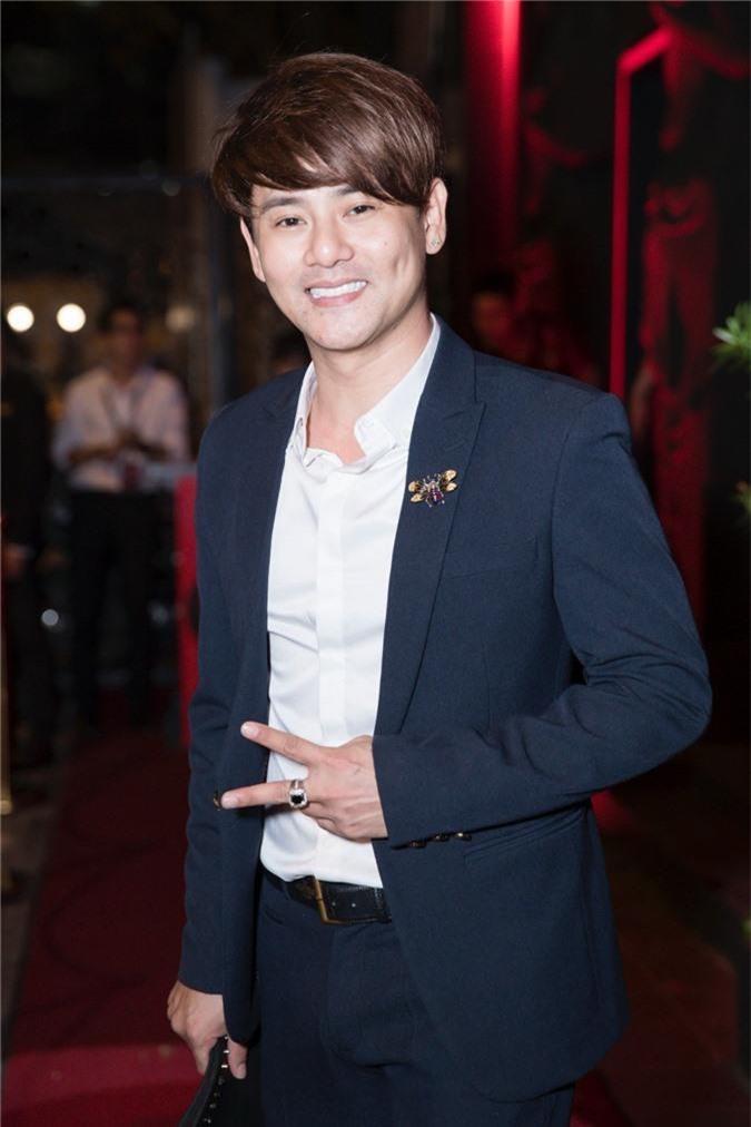 Linh Chi tình tứ bên Lâm Vinh Hải trong tiệc sinh nhật hoành tráng của nhạc sĩ Nguyễn Hồng Thuận - Ảnh 7.