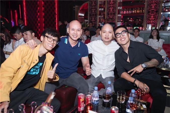 Linh Chi tình tứ bên Lâm Vinh Hải trong tiệc sinh nhật hoành tráng của nhạc sĩ Nguyễn Hồng Thuận - Ảnh 9.