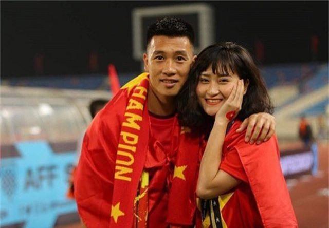 Hoàn hảo như bạn gái cầu thủ Huy Hùng: xinh, giỏi nấu ăn, kiếm tiền, chăm bạn trai - 1