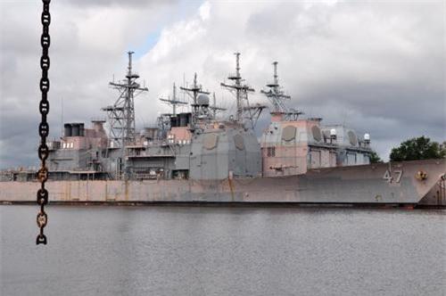 Các tuần dương hạm Ticonderoga đang được lưu trữ tại căn cứ hải quân Philadelphia