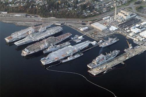 Từ trái sang phải, các tàu sân bay Independence, Kitty Hawk, Constellation và Ranger của Hải quân Mỹ sau khi ngừng hoạt động