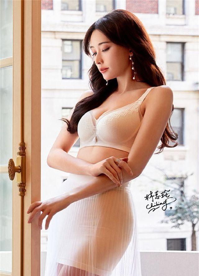 44 tuổi, siêu mẫu Lâm Chí Linh chuẩn bị lên xe hoa - 4
