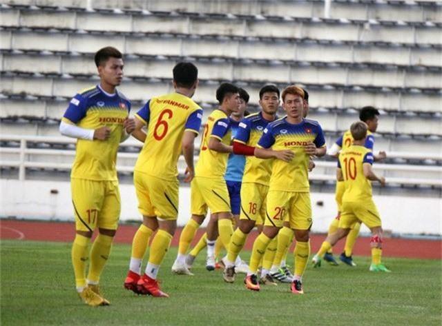 ĐT Việt Nam tập nhẹ, sẵn sàng cho trận chung kết Kings Cup 2019 gặp ĐT Curacao - Ảnh 1.