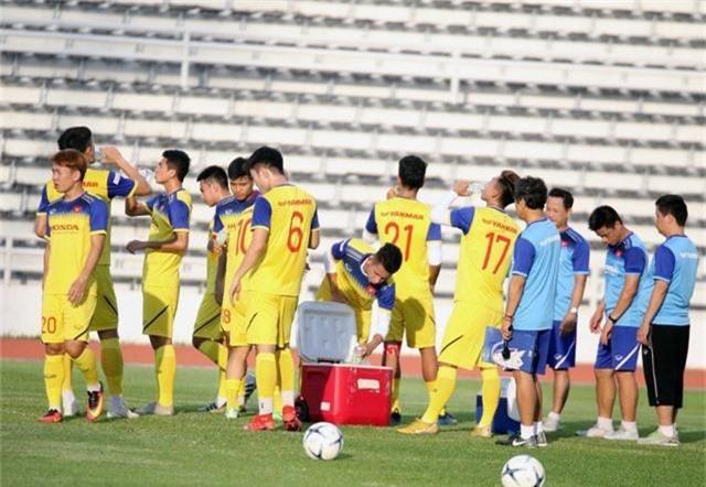 ĐT Việt Nam tập nhẹ, sẵn sàng cho trận chung kết Kings Cup 2019 gặp ĐT Curacao - Ảnh 13.