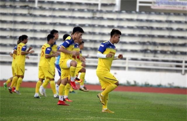 ĐT Việt Nam tập nhẹ, sẵn sàng cho trận chung kết Kings Cup 2019 gặp ĐT Curacao - Ảnh 2.