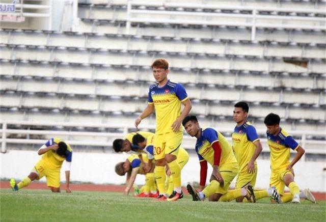 ĐT Việt Nam tập nhẹ, sẵn sàng cho trận chung kết Kings Cup 2019 gặp ĐT Curacao - Ảnh 7.