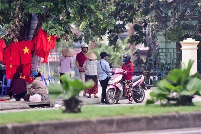 """Trước trận U23 Việt Nam - Myanmar: Cò vé hét giá """"khủng"""" - 1"""