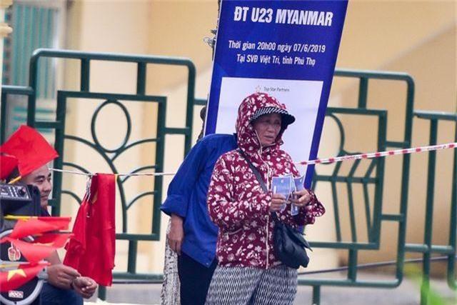 """Trước trận U23 Việt Nam - Myanmar: Cò vé hét giá """"khủng"""" - 3"""