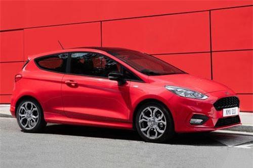 1. Ford Fiesta (doanh số: 6.710 chiếc).